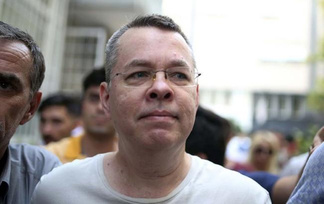 СМИ сообщили о договоренности между США и Турцией по освобождению Брансона