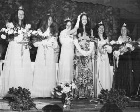 Miss Brookfield 1972, Judy-Plachetka, crowns Miss Brookfield 1973, Sandra Gonzalez