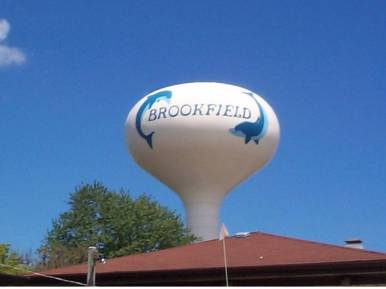 The water tower with its 1996 paint job. Photo courtesy of Erik Otten.