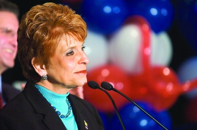 Judy Baar Topinka makes her concession speech after losing to Rod Blagojevich in her bid to become Illinois governor in 2006. (File 2006)