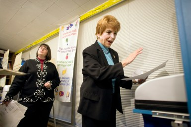 Judy Baar Topinka casts her ballot at Blythe Park School in Riverside on Election Day in 2006, the year she ran for governor against Rod Blagojevich.