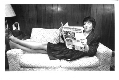Judy Baar Topinka kicks back to read Crain's Chicago Business during a photo shoot for a 1988 profile in the Forest Park review, where she worked as a reporter in the 1970s.