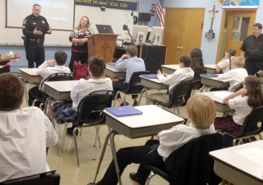 Brookfield Police Sgt. Terry Schreiber visited St. Paul Lutheran School in Brookfield.