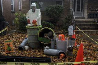 Halloween decorations in North Riverside on Saturday, Oct. 31.   William Camargo/Staff Photographer