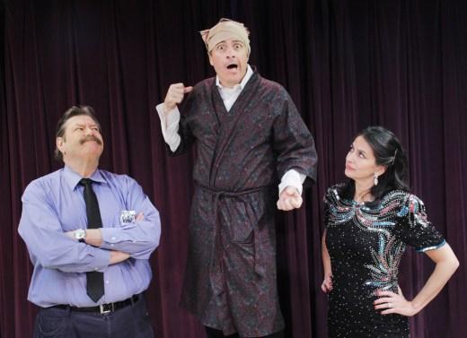 """Gonzo Schexnayder (center) as Lenny Ganz in Neil Simon's farce """"Rumors."""""""