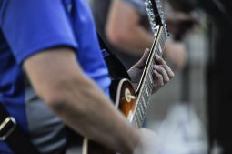Kevin Connor ams out during the first summer concerts at Kiwanis Park on June 23. | William Camargo/Staff Photographer