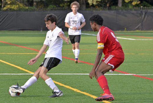 Fenwick's Tommy Reardon (7) gets control of the ball on Friday, Sept. 29, 2017, during a soccer game against St. Joseph at Priory Park in River Forest, Ill. (Alexa Rogals/Staff Photographer)