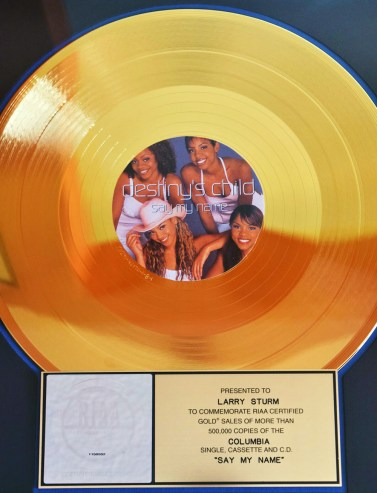 "Record ""Say My Name"" by Destiny's Child | Photo by Jeffrey C. Johnson"