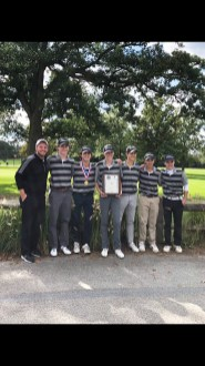 The Fenwick boys golf team went undefeated in dual matches during the regular season and placed second at the Chicago Catholic League Meet. (Courtesy @FenwickAD/Twitter)