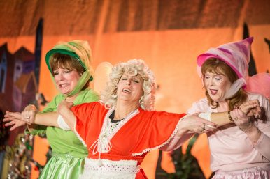 Mrs. Claus (middle) was played by Alison Bihun. | Alexa Rogals/Staff Photographer