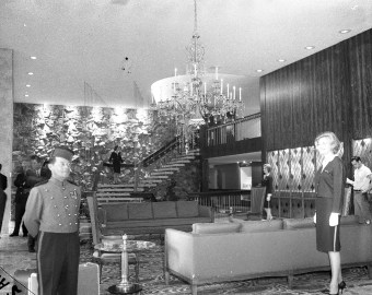 """Time magazine called the Sahara """"a little bit of Las Vegas"""" with its marble staircase in the lobby. (Courtesy Liz Faron collection)"""