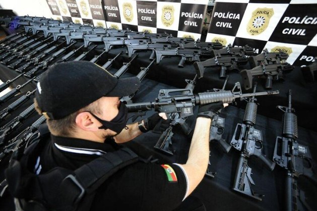 Em dezembro, polícia recebeu 200 novos fuzis e metralhadoras