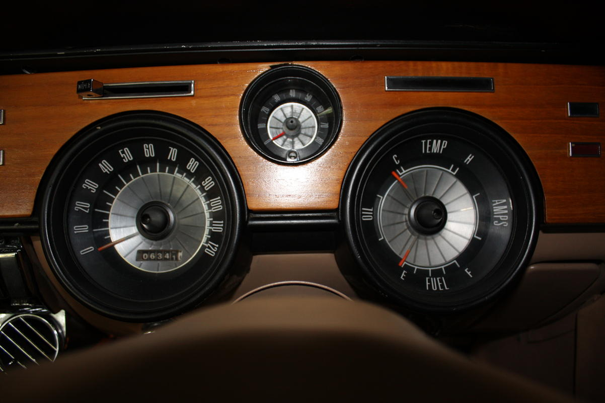 hight resolution of matt b s 1968 cougar with g1s mini tach in his custom wood dash