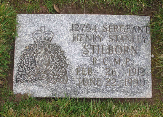 Photograph of a RCMP Regimental flat granite grave marker (Source of photo - Sheldon Boles).