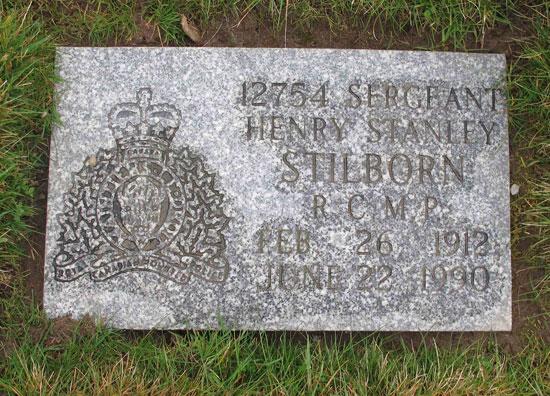 Photograph of a RCMP Regimental flat granite grave marker (Source of photo - Sheldon Boles).