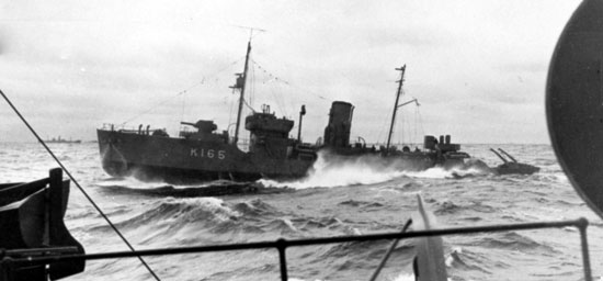 Photograph of the HMCS Battleford during World War II (Source of photo - Ric Hall's Photo Collection)