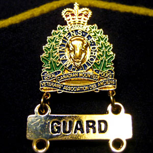 Photograph of a RCMP Veterans' Association crest with a Guard bar (Source of photo - Daniel Lemieux)