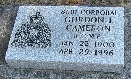 Photograph of Corporal Gordon Cameron's RCMP grave marker (Source of photo - RCMP Gravesite database).