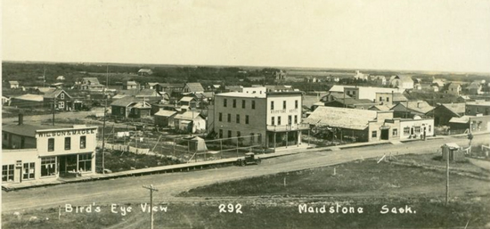 1913 - Photograph of Maidstone Saskatchewan (Source of photo - praise-towns.com).