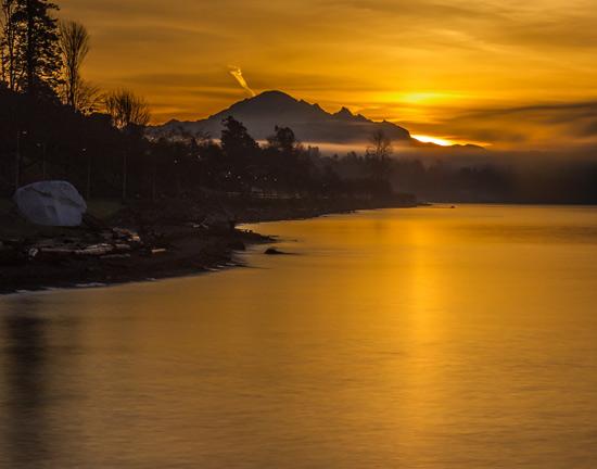 Photograph of a White Rock sunrise taken by Sheldon Boles.