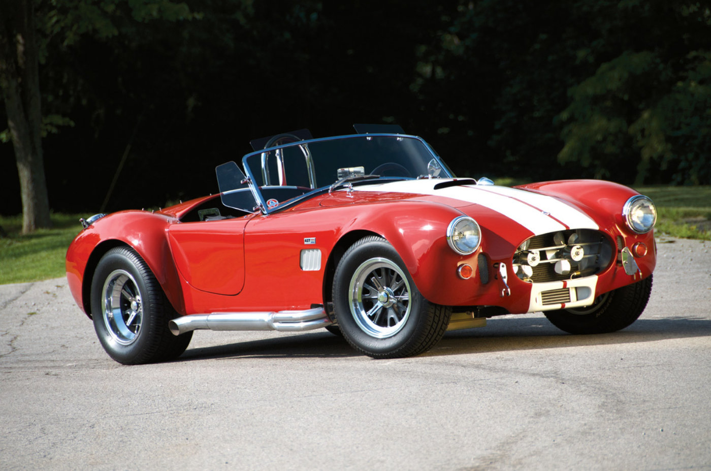 hight resolution of unique motorcars 427 cobra 2