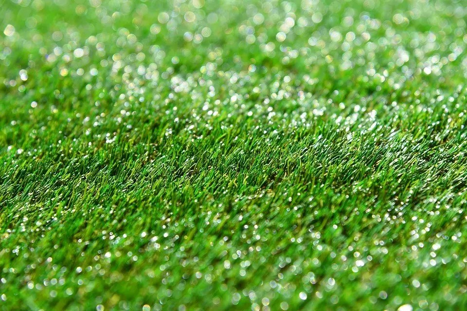 Prevent artificial turf from melting