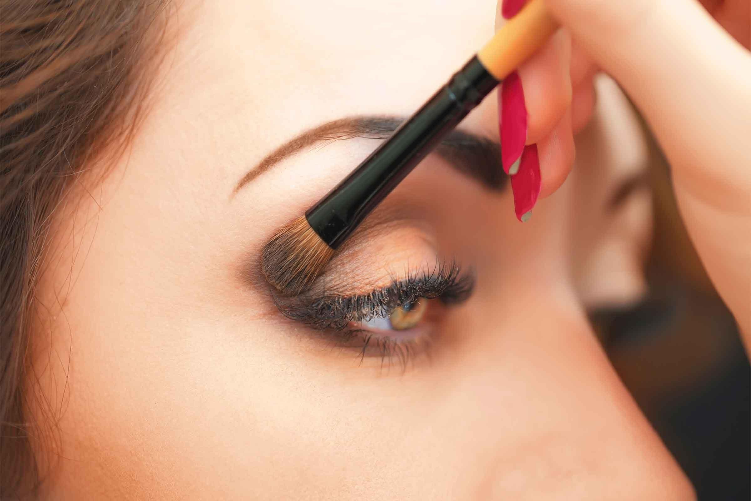 Eye Makeup Tips 7 Ways to Make Your Eyes Pop  Readers Digest