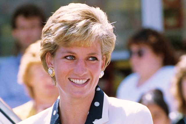 why princess diana got her iconic short haircut | reader's
