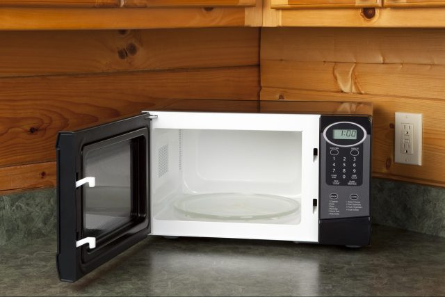 How to Clean Your Microwave — How to Clean Inside of Microwave