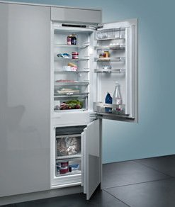 INTEGRATED FRIDGES & FREEZERS