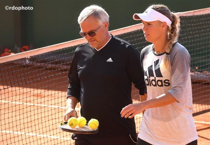 Papà e figlia Wozniacki durante un allenamento a Montecarlo - foto di Roberto dell'Olivo