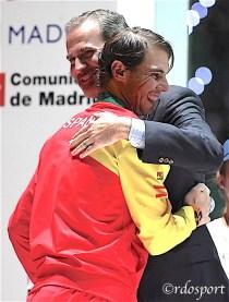 Il re Felipe IV di Spagna con Rafael Nadal adurante la premiazione della Davis Cup - Madrid 2019
