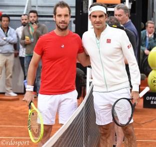 Federer e Gasquet ad inizio match - Madrid 2019 - Lo svizzero torna a giocare sulla terra battuta Madrid 2019 - foto di Roberto Dell'Olivo