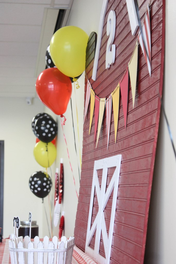 Barnyard Birthday Party diy Barn with diy banner and number 2