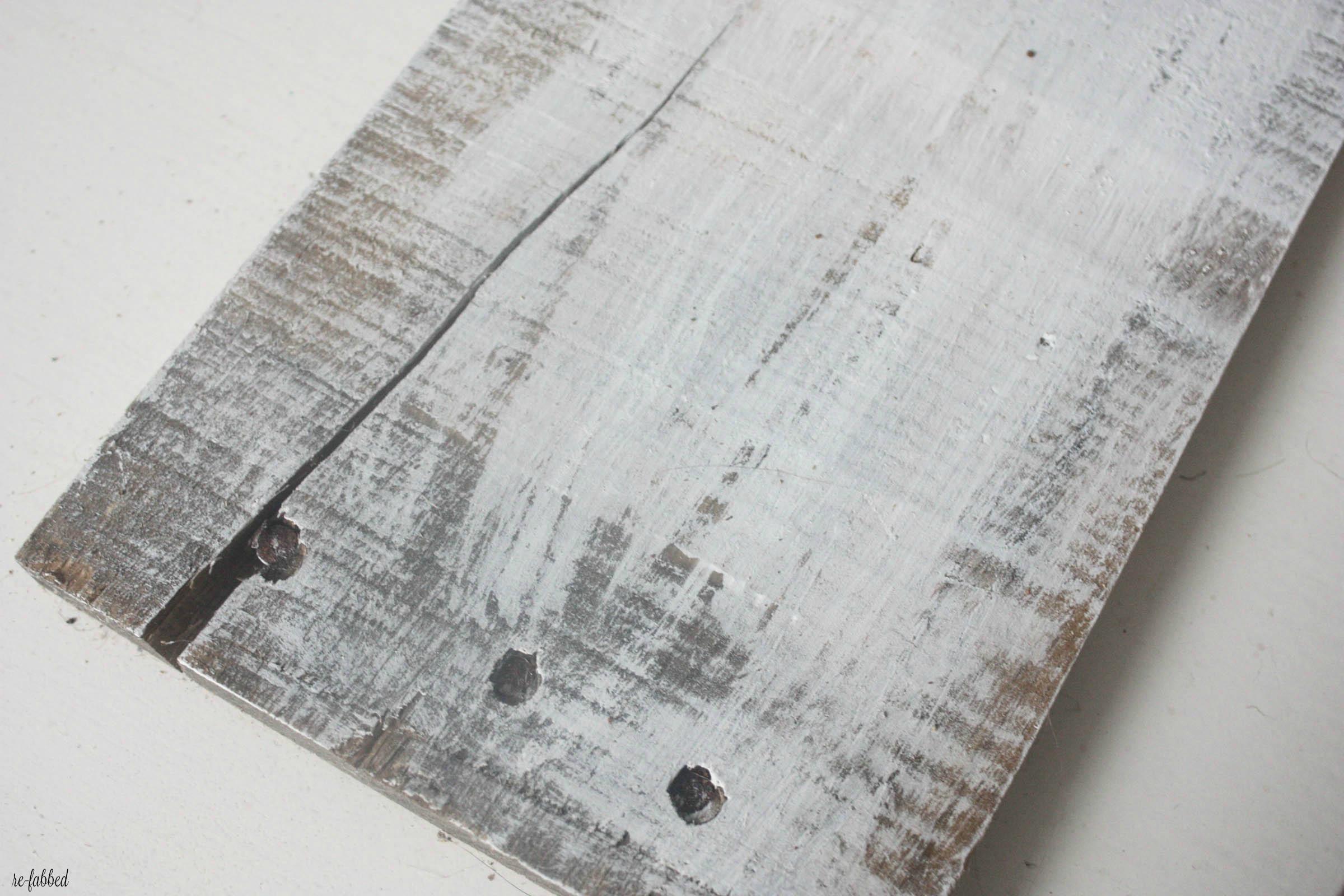 DIYSpring Pallet Sign with Wood Slices