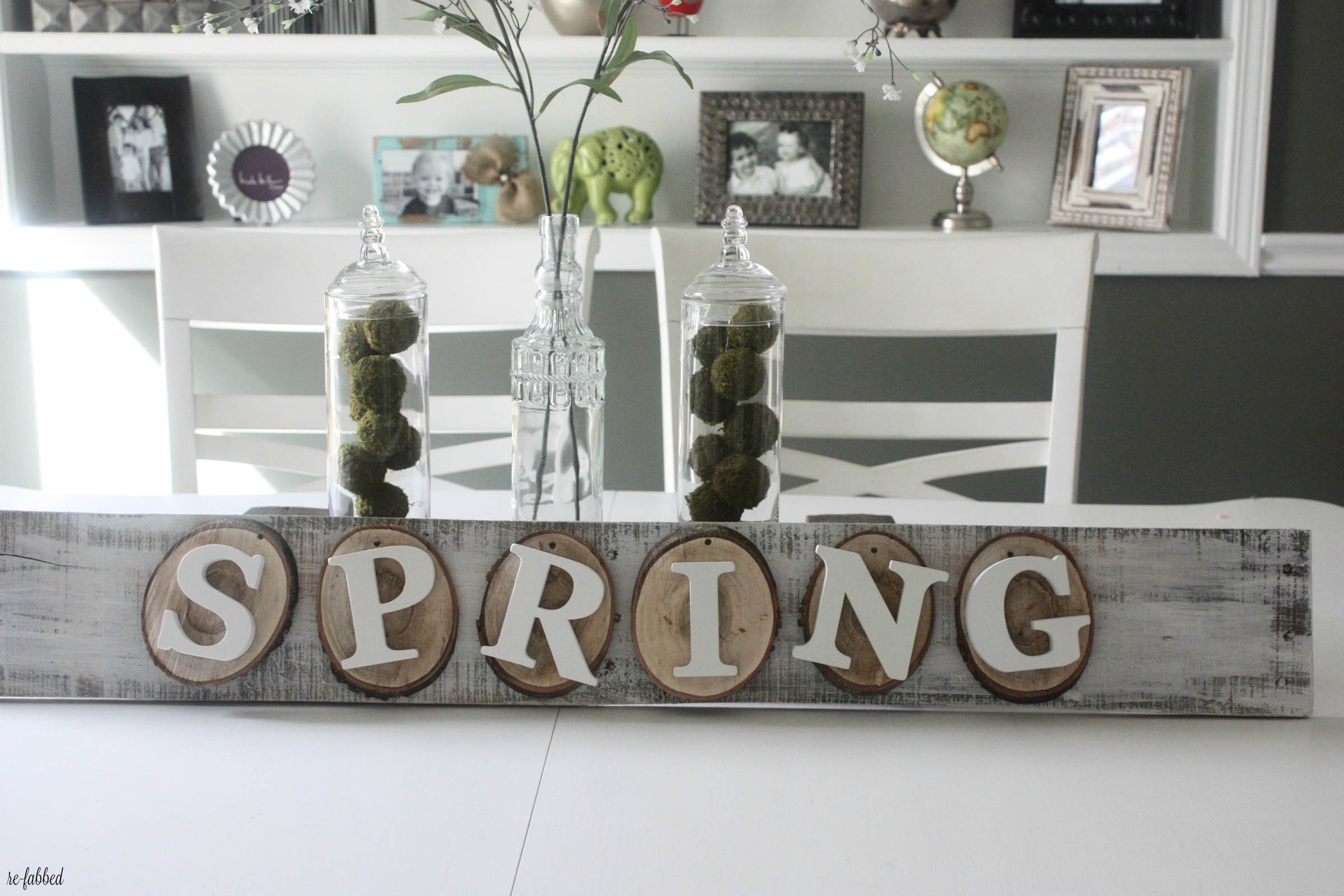 DIY Spring Pallet Sign with Wood Slices