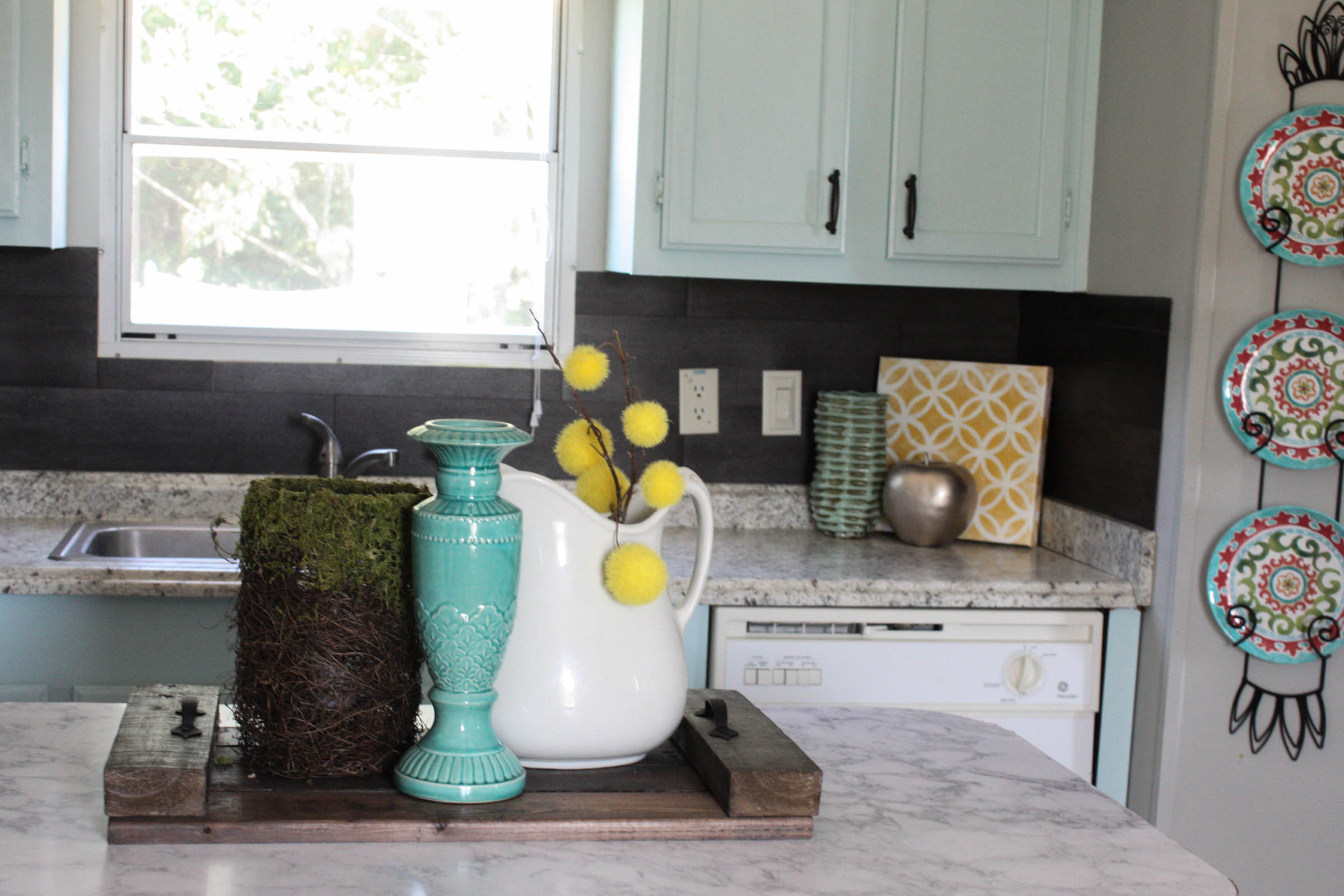 - Our $40 Backsplash {Using Vinyl Flooring} - Re-Fabbed