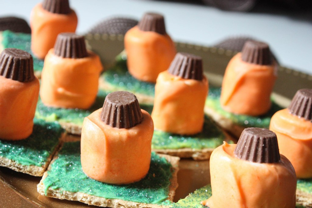 Easy Fall Pumpkin S'mores Dessert