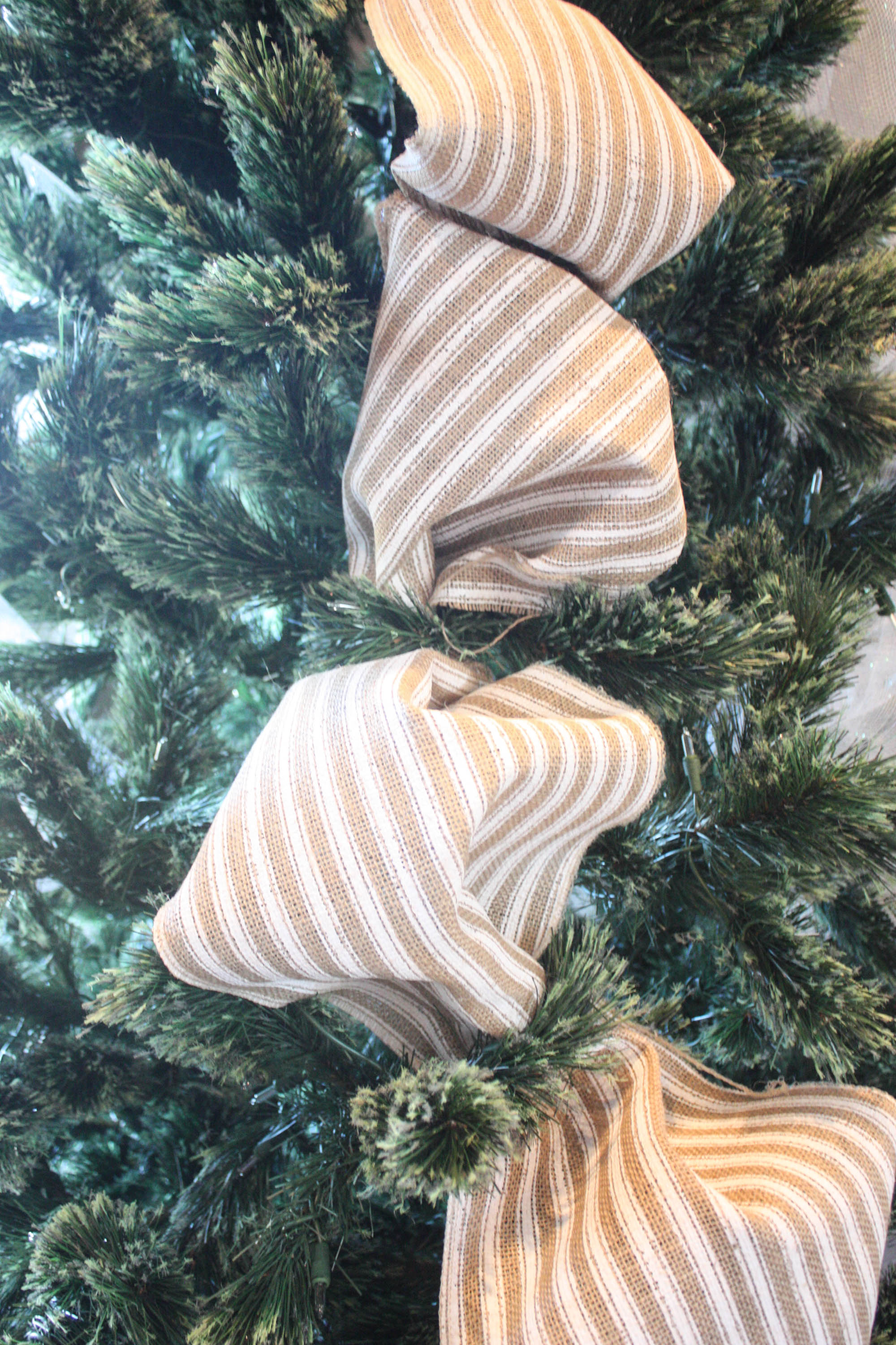How To Put Ribbon On Christmas Tree.How To Put Ribbon On A Christmas Tree Re Fabbed