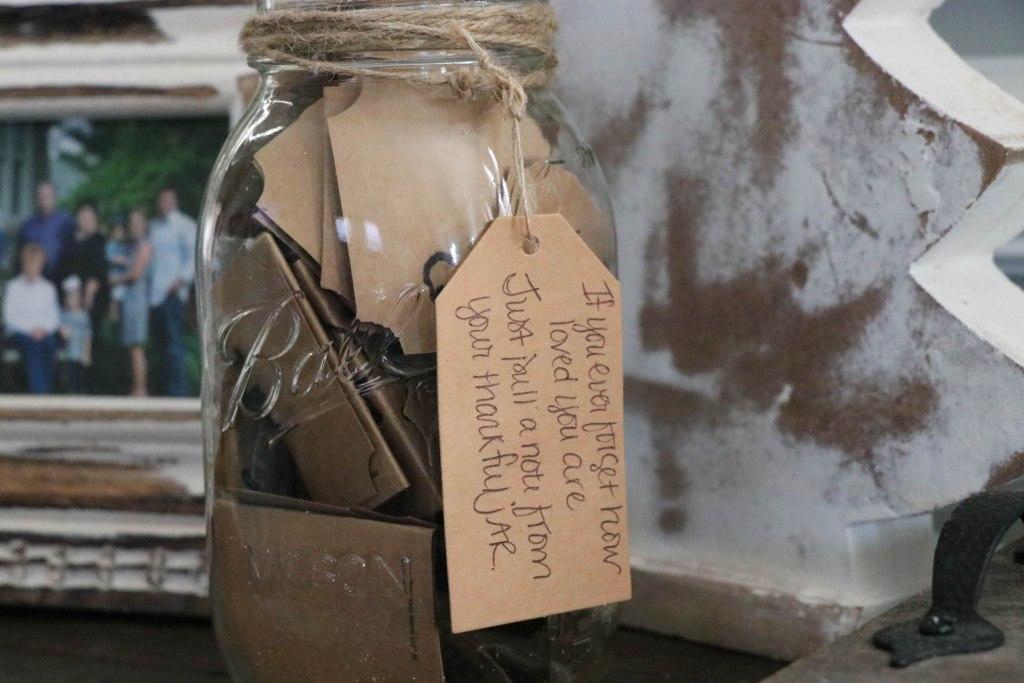 How to make a thankful jar.