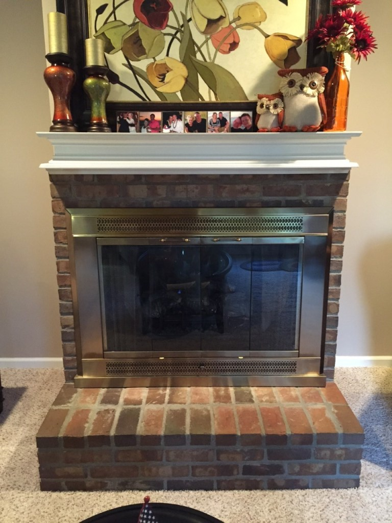 How to whitewash a brick fireplace tutorial PLUS how to paint that brassy finish