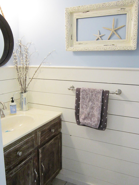 Farmhouse Small Bathroom Makeover