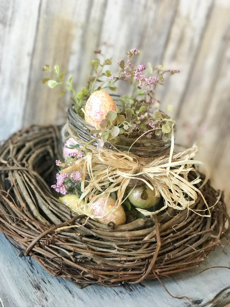 SUPER cute and easy 5 minute Easter table decor for your home!