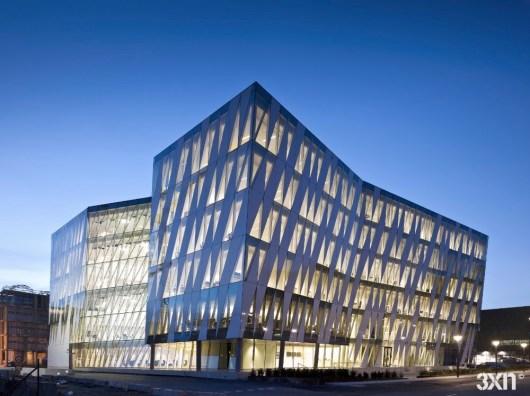 20 façades de bâtiments créatifs pour les bâtiments commerciaux dans le monde - Saxo Bank