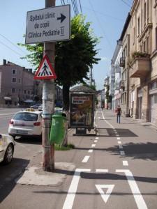 pista de tinut biciclistii pe loc