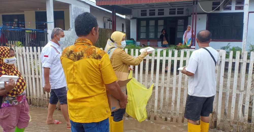 Meyke Camaru salurkan bantuan ke korban banjir