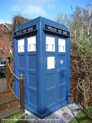 OakMonster.com - TARDIS tool shed