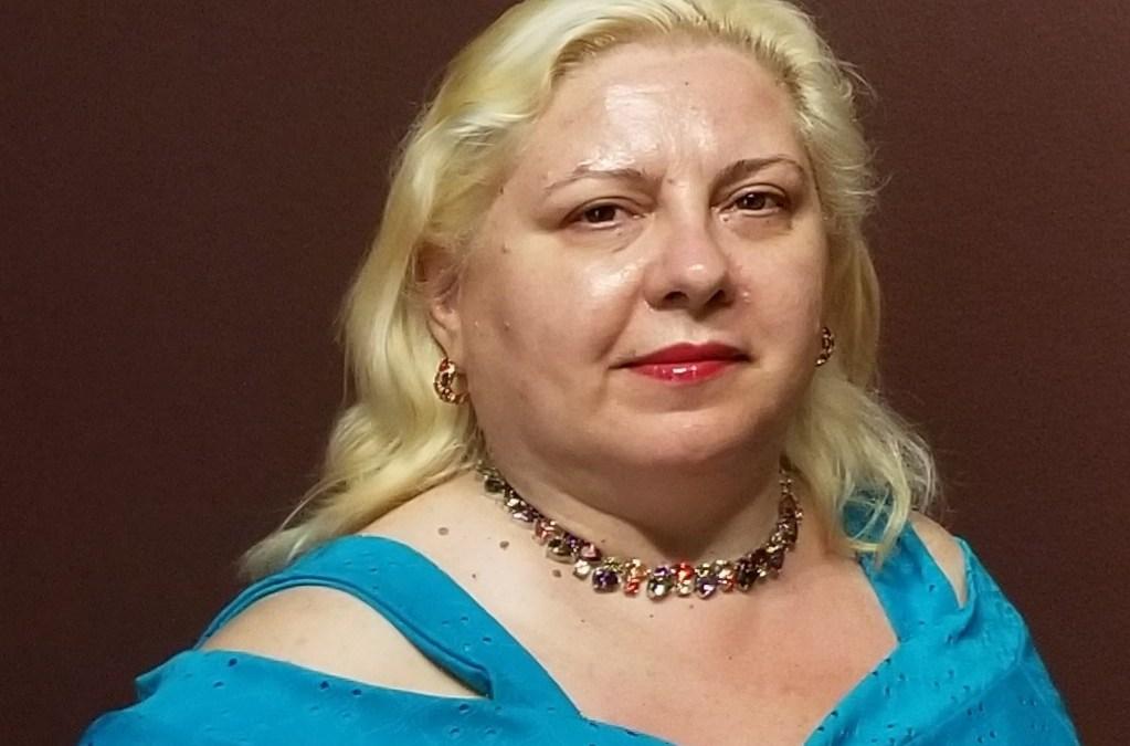 Readersmagnet poet Gianina Sipitca