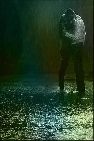 bw-kiss-rain