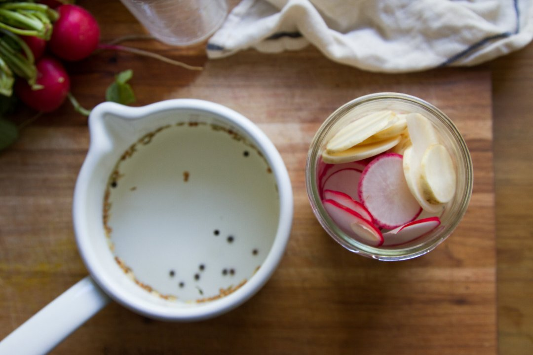 make your own pickled radishes | reading my tea leaves